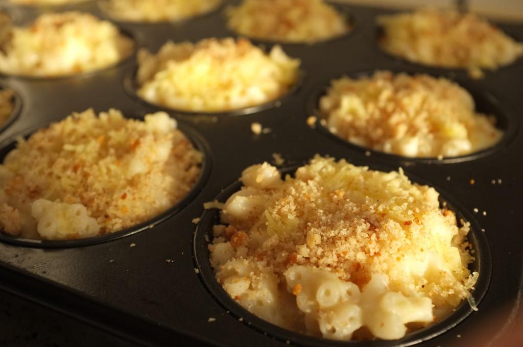 """muffins de """"Mac & Cheese"""" ou en français muffins de """"coquillettes  aux fromages"""""""
