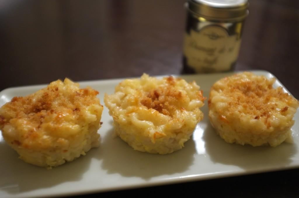 """muffins sans gluten de coquillettes aux fromages """"Mac & Cheese"""" version adulte avec sel de truffe"""