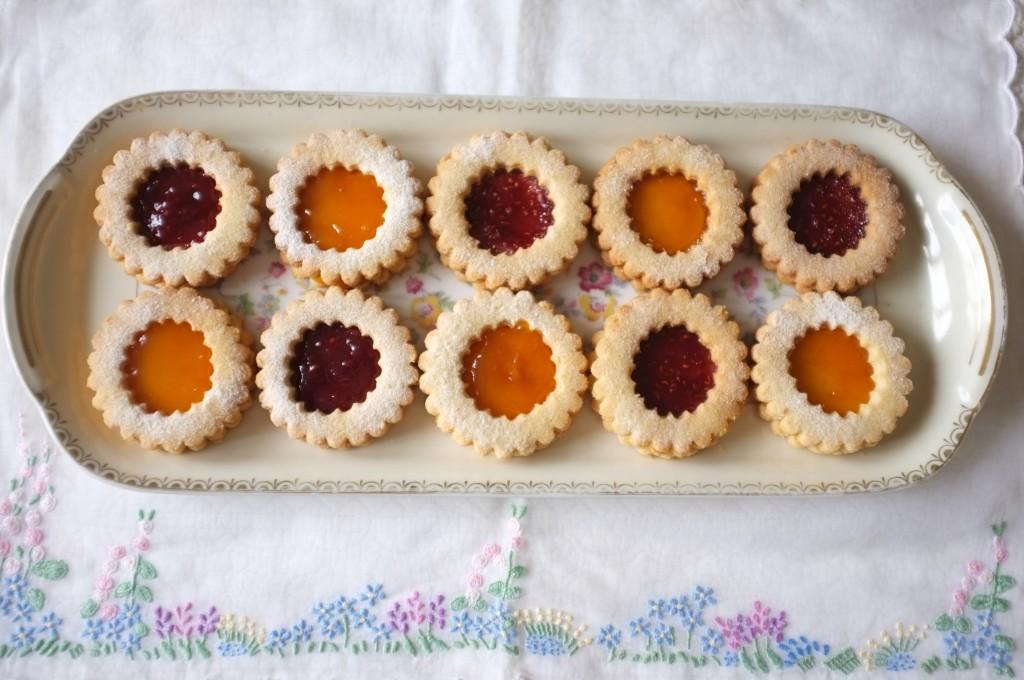biscuits Linzer, prêt à être dégustés