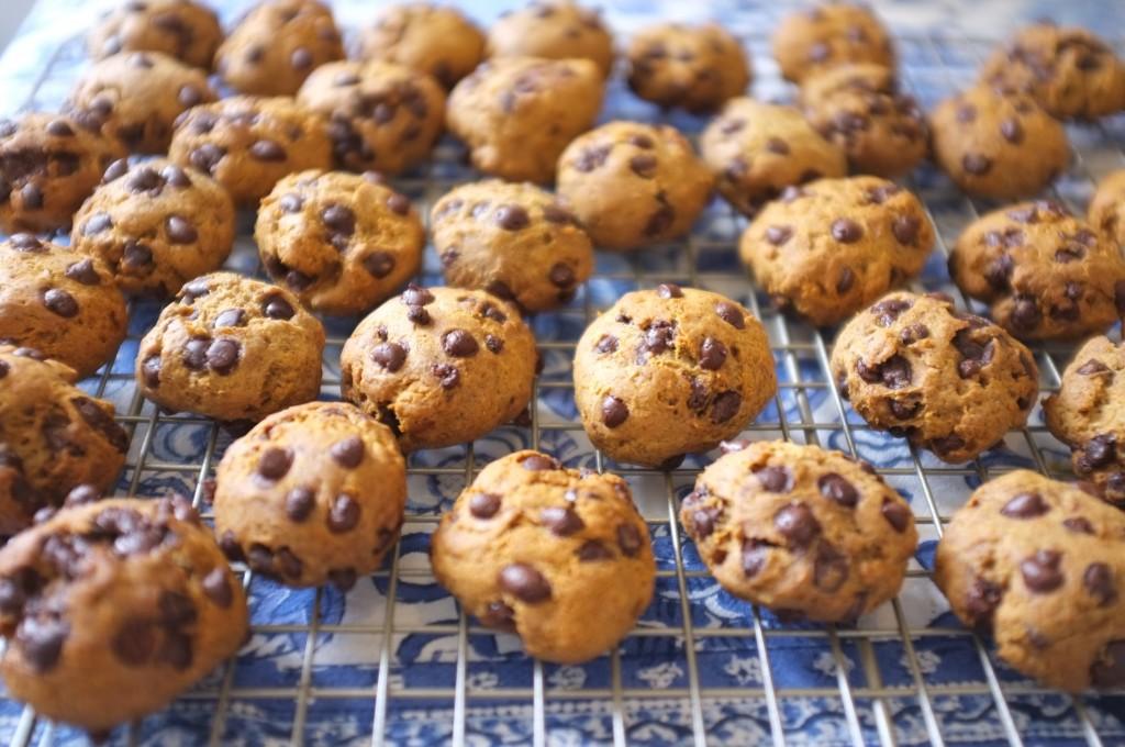 Les cookies ont gonflés pendant la cuisson avec la farine de sarrasin