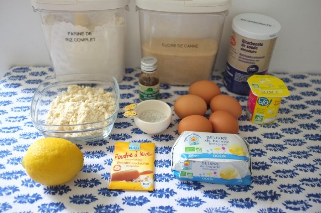 Les ingrédients pour le gâteau sans gluten au yaourt et au citron