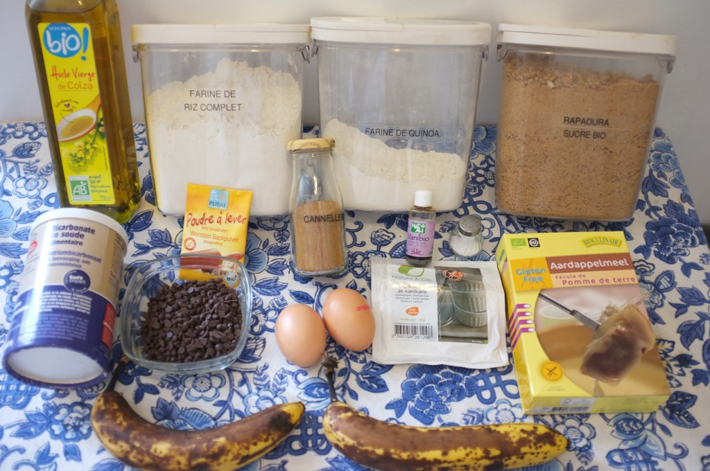 """Ingrédients pour un """"Banana Bread"""" aux pépites de chocolat"""