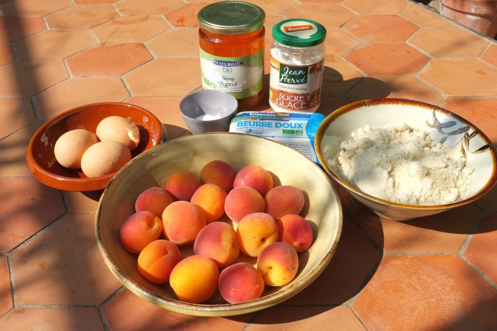 Les ingrédients pour la tarte sans gluten à l'abricot