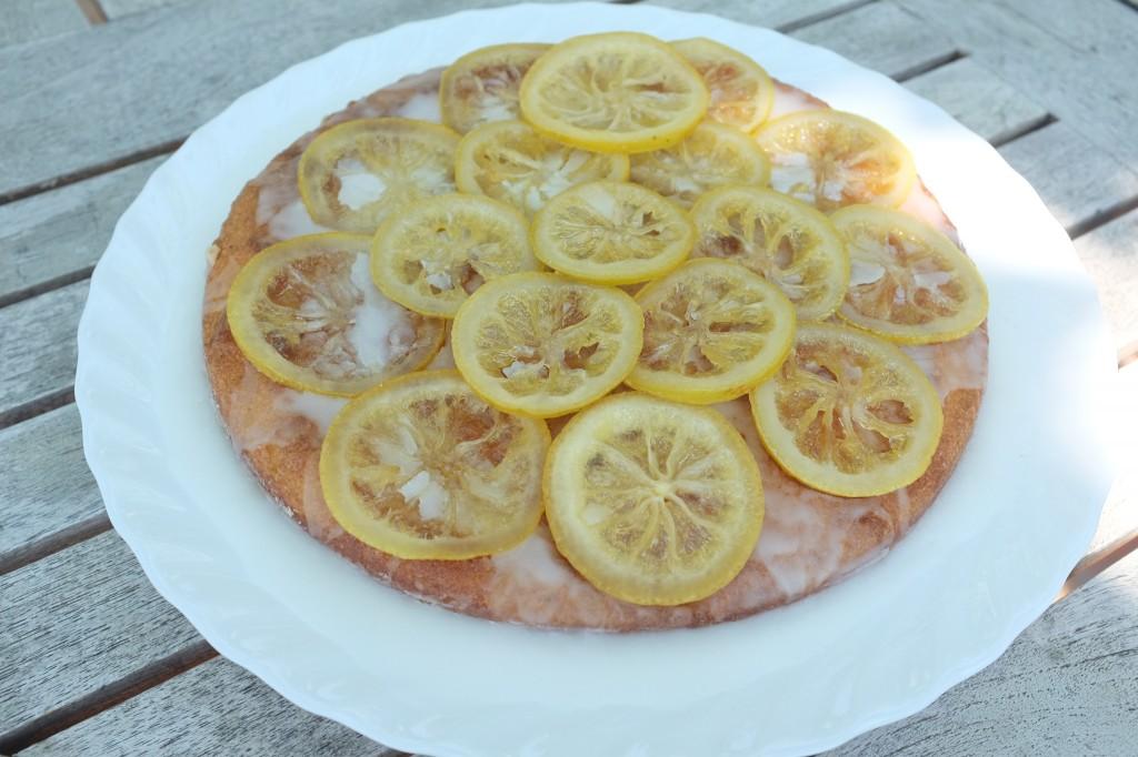 Le gâteau sans gluten à l'amande et aux citrons confits