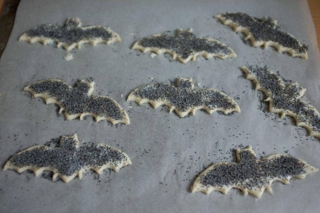 Et les chauve-souris sont noir graine de pavot...