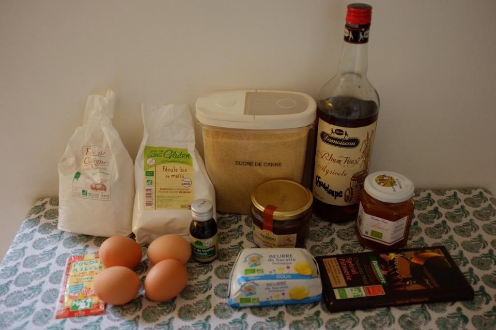 Les ingrédients sans gluten pour le gâteau crème de marron, rhum et chocolat
