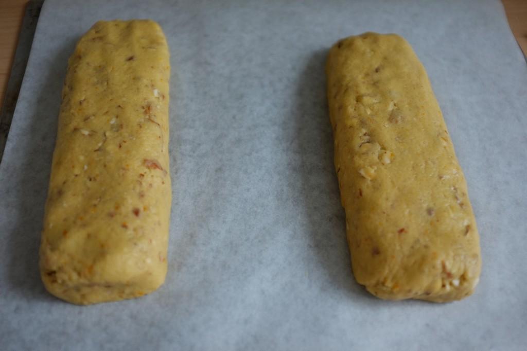 Les deux pain de pâte sans gluten pour les biscotti