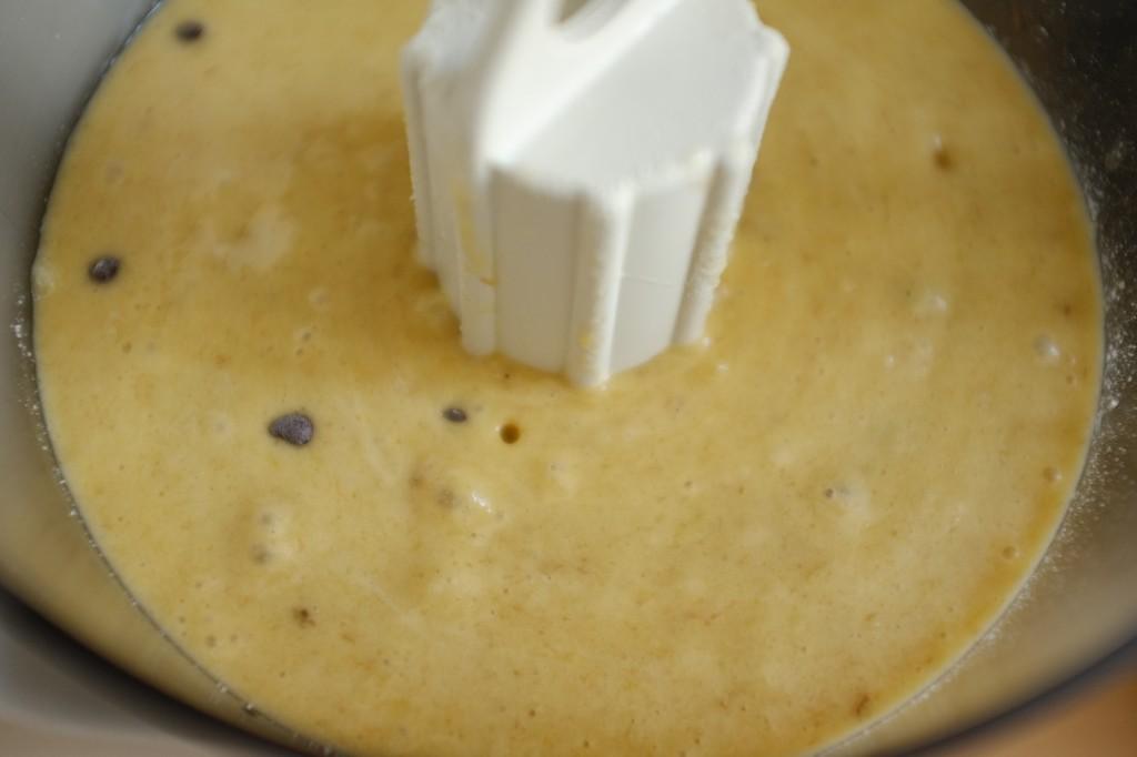 La pâte sans gluten pour le cake banane-chocolat