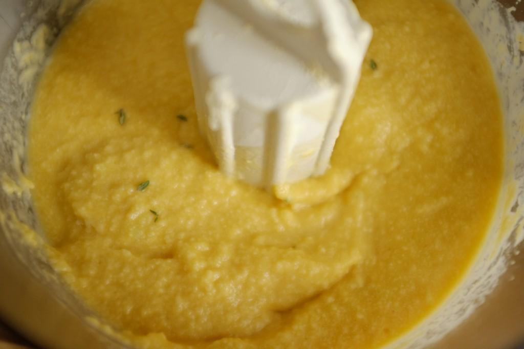 La pâte sans gluten pour les muffins maïs et cheddar