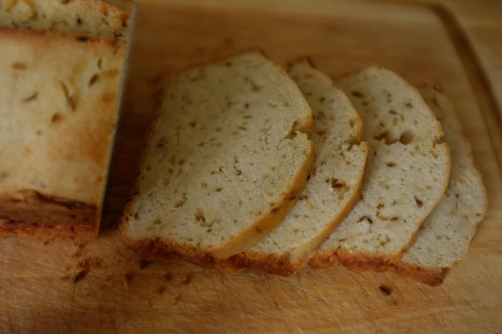Le pain sans gluten à la bière et au cumin