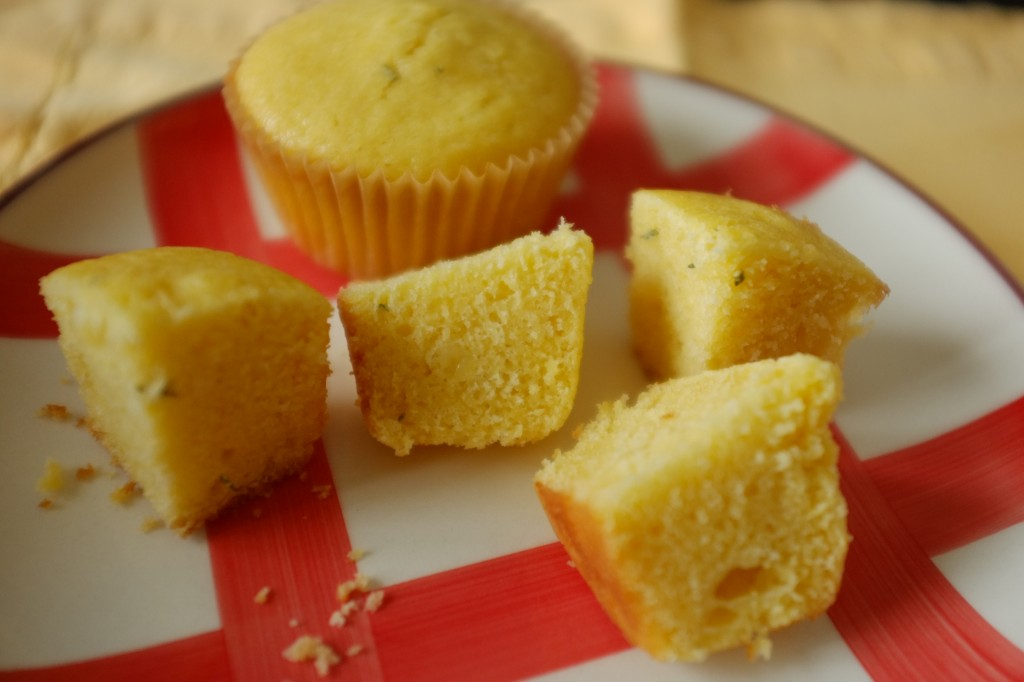 Les muffins sans gluten aux maïs et cheddar