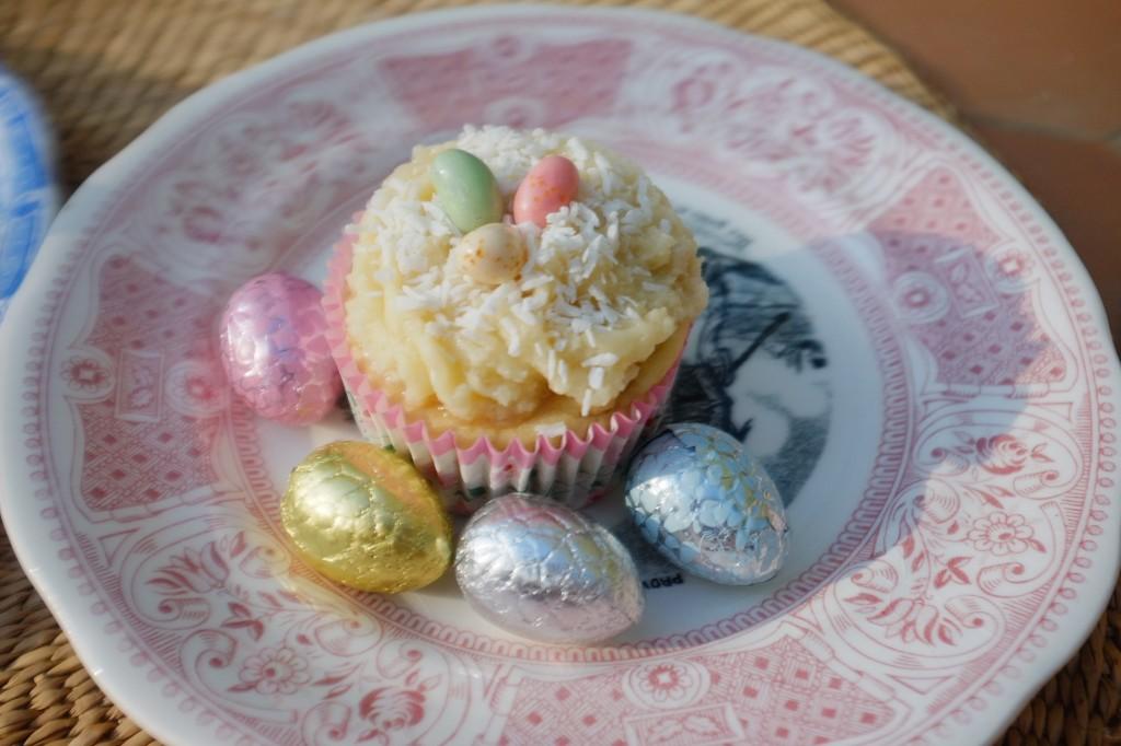 Le cupcake à la noix de coco et Jelly Bean en décoration