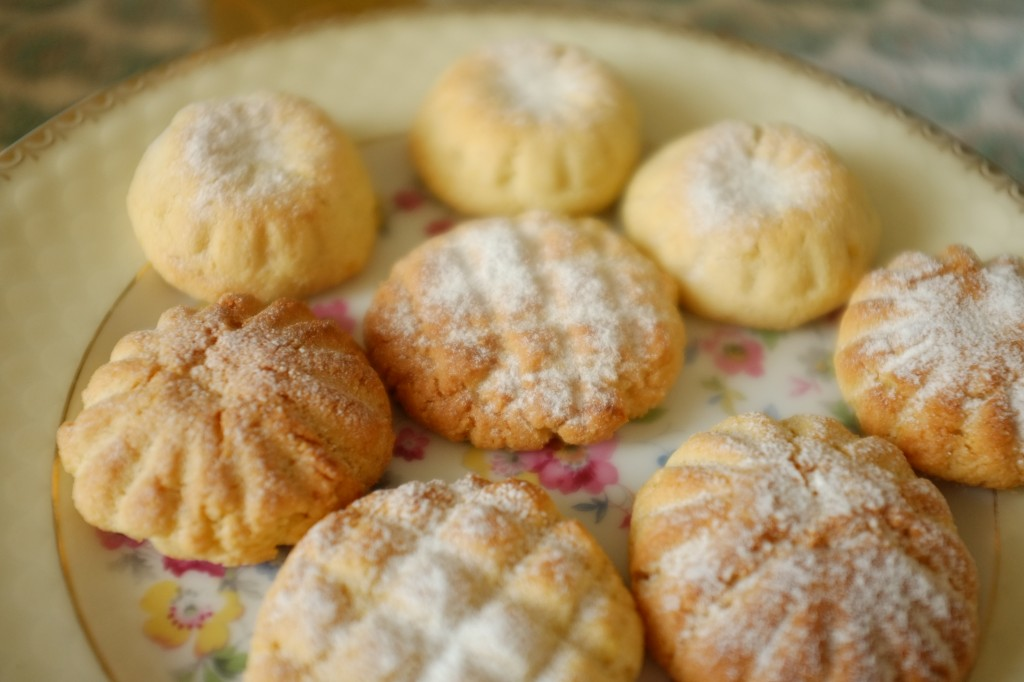 Les gâteaux marocains Ghriba sont ici cuisinés sans gluten