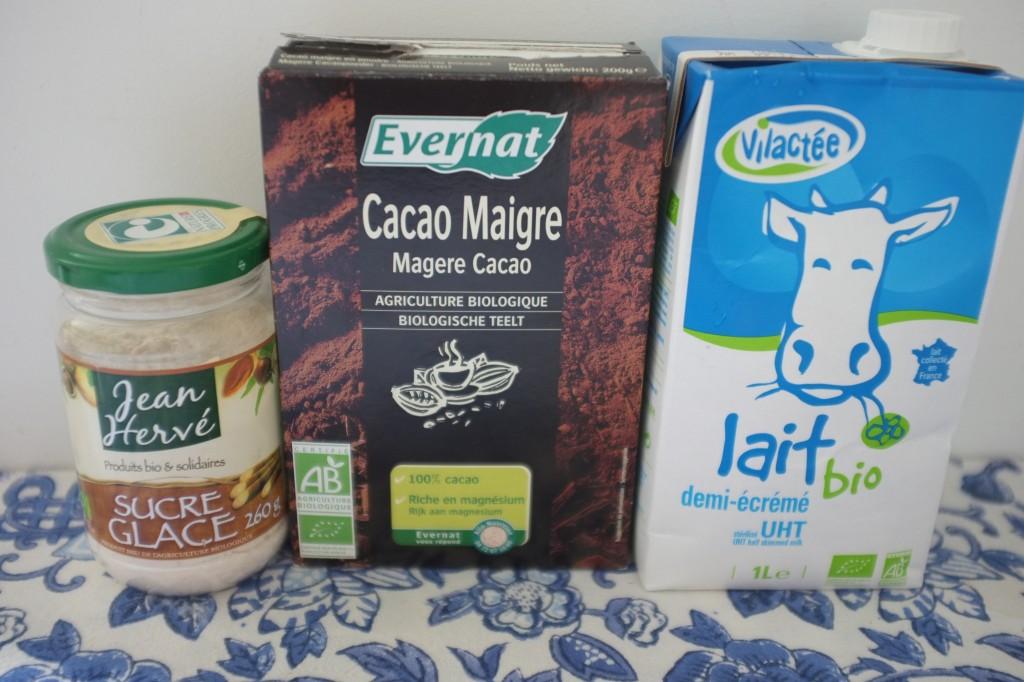 les ingrédients sans gluten pour le glaçage au chocolat