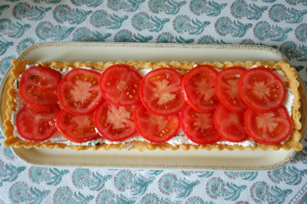 la tarte sans gluten au fromage de chèvre, basilique et tomate
