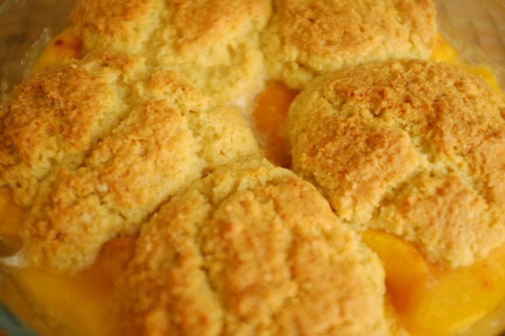 Le secret d'une pâte sans gluten aérée: des ingrédients très froids au moment du mélange de la pâte.