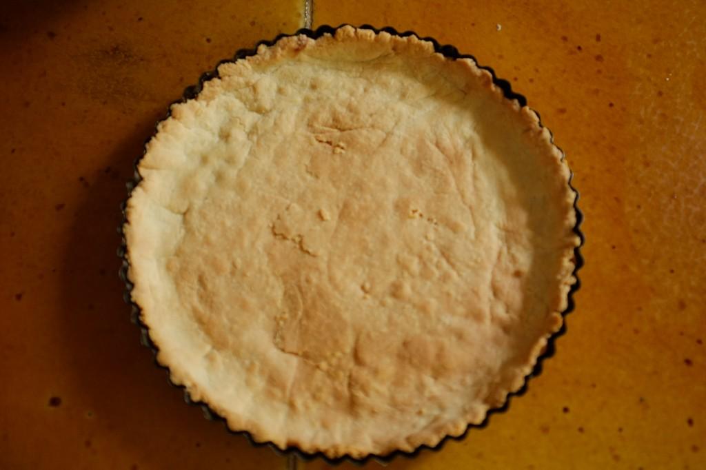 le fond de tarte sans gluten à la sortie du four