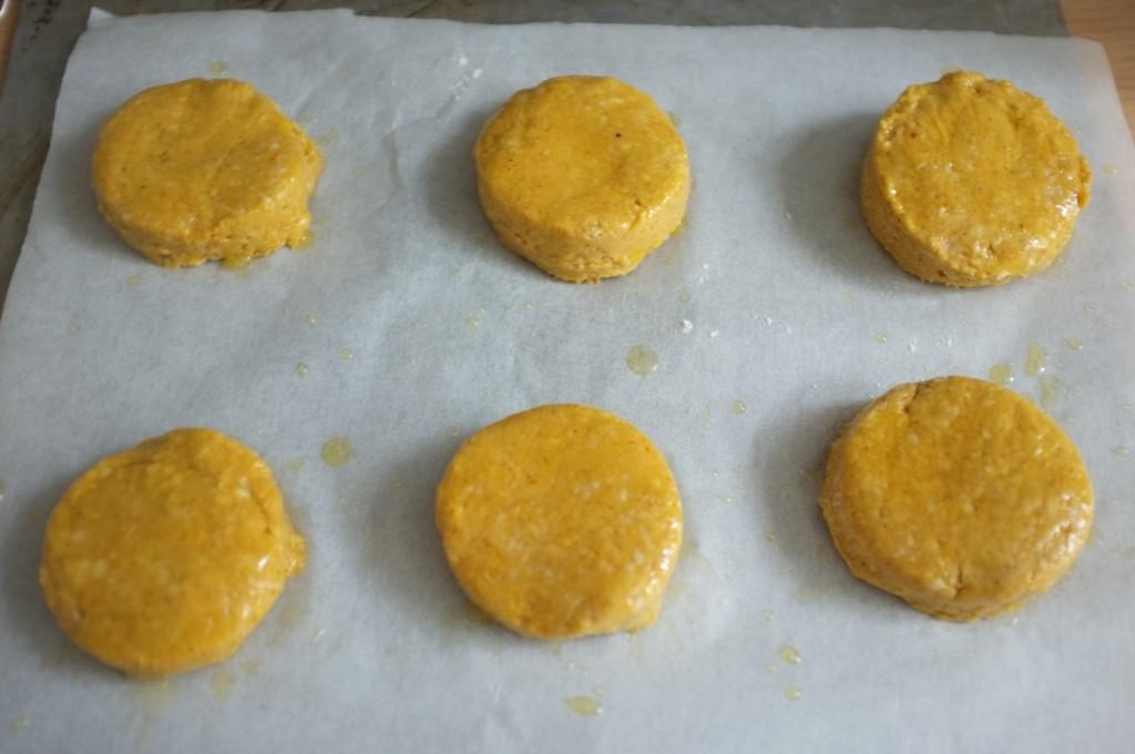 Les scones sans gluten au potion et sirop d'érable avant d'être enfournés