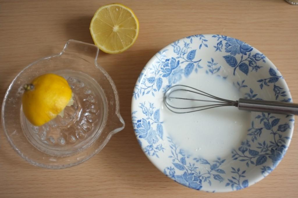 Le glaçage au citron pour s'accorder au parfum des épices de Noël
