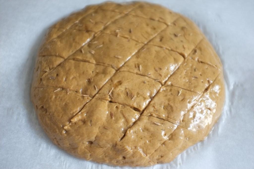 je saupoudre mon pain de quelques graines de cumin