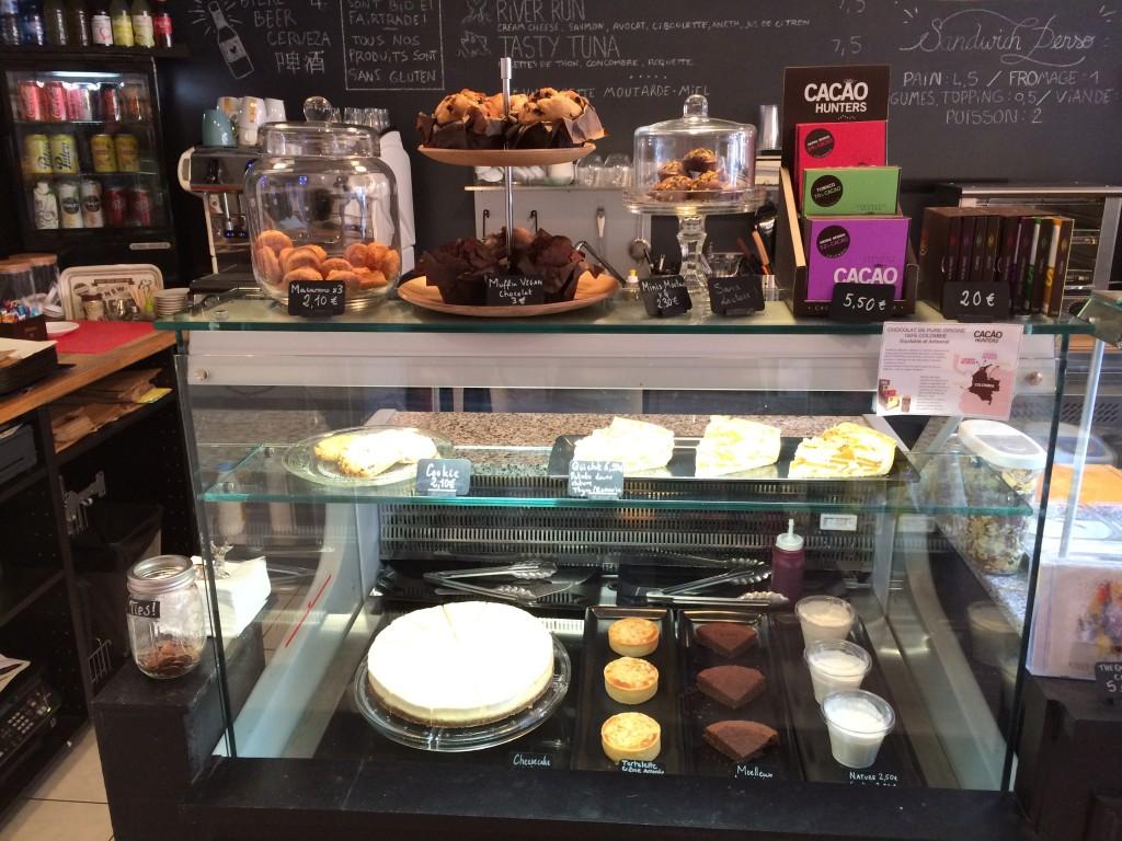 La vitrine des desserts...autant dire que le chesscake me fait de l'oeil !