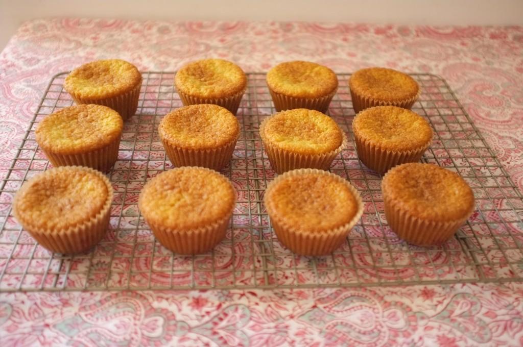 Je laisse refroidir les muffins sans gluten amande framboise sur une grille