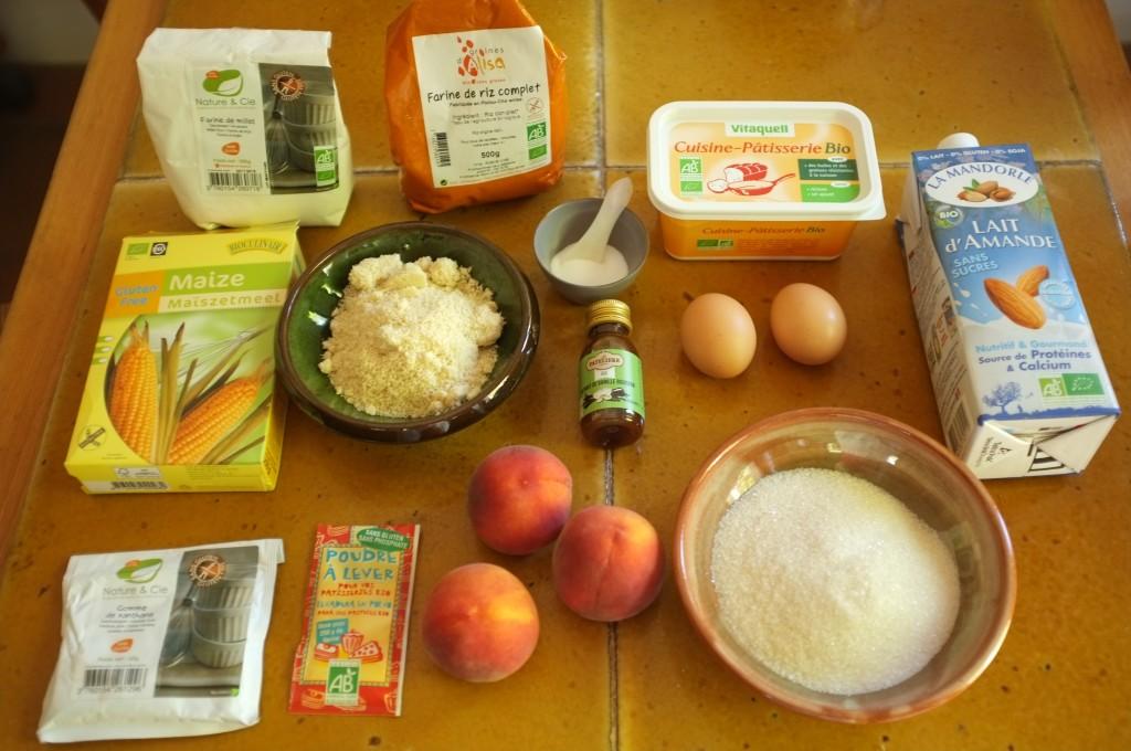 Les ingrédients sans gluten et sans lactose pour les muffins à la pèche