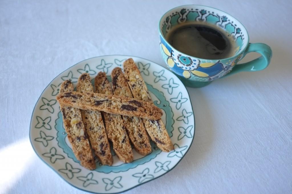 Les biscotti orange confite et chocolat noir pour la pause café...