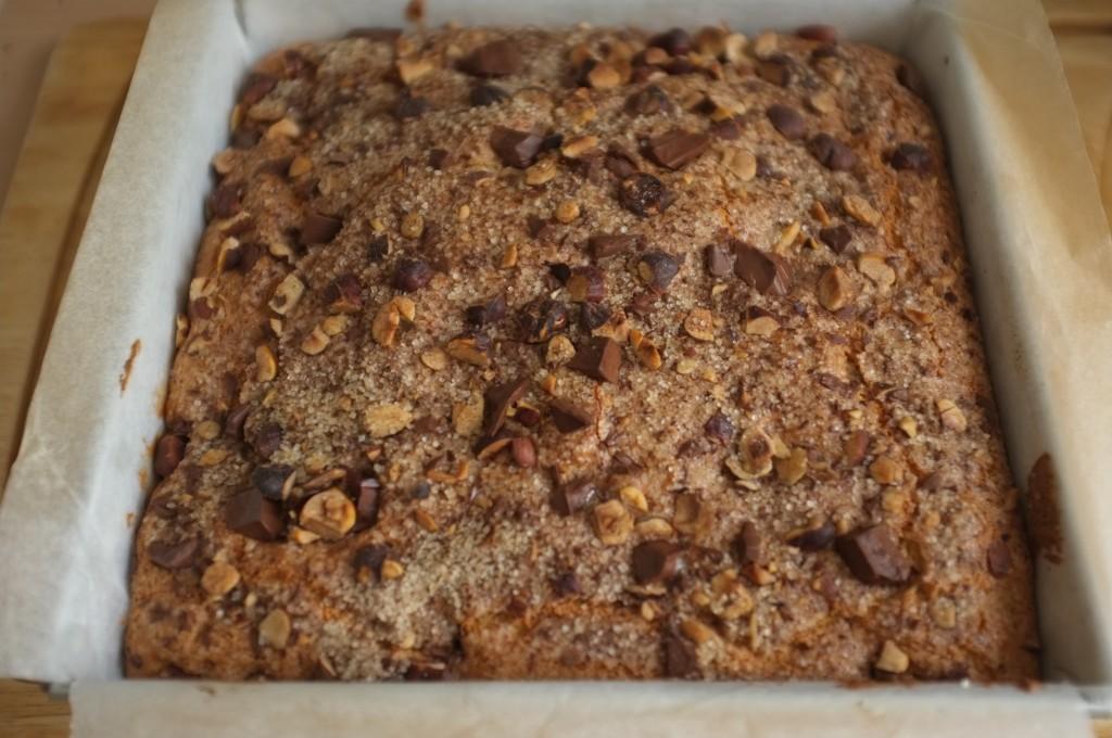 le gâteau sans gluten chocolat, noisette et cannelle à la sortie du four