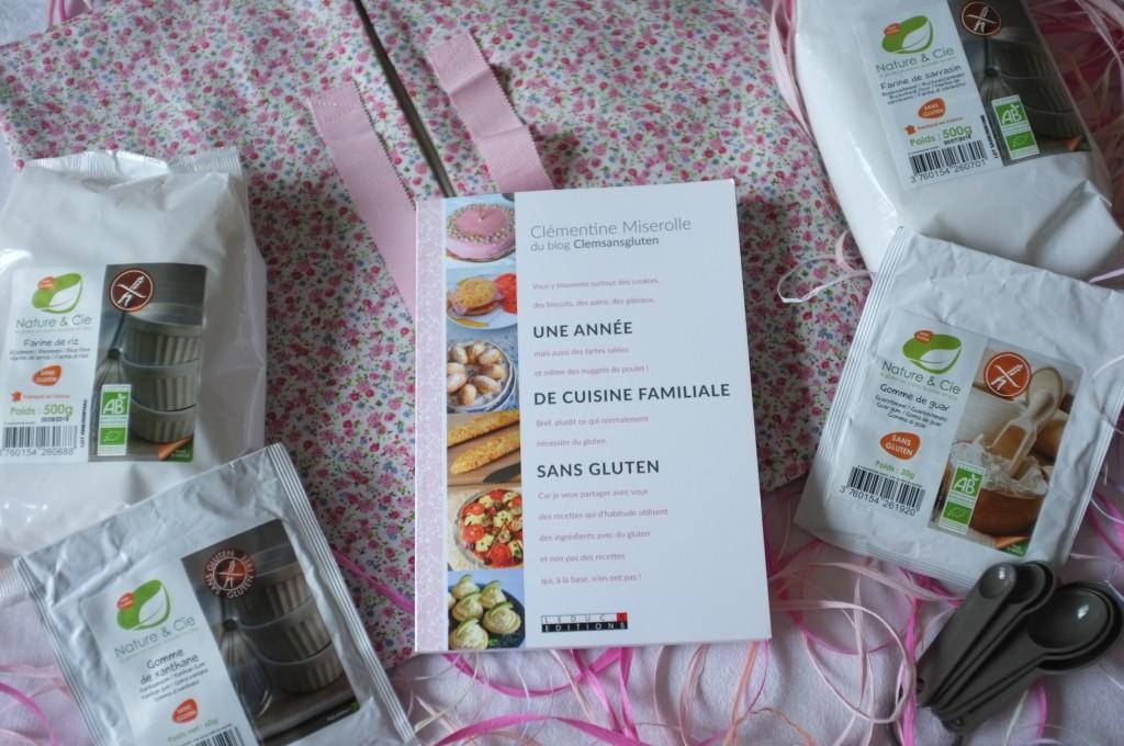 Le livre et les produits qui composent chaque coffret cadeau.