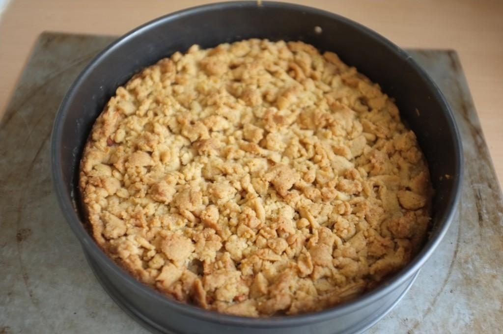 Le gâteaux aux pommes à la sortie du four.