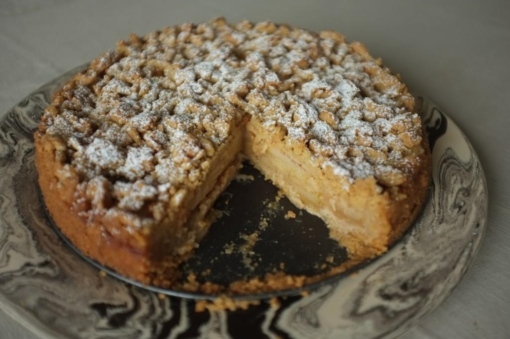 Le généreux gâteau sans gluten aux pommes
