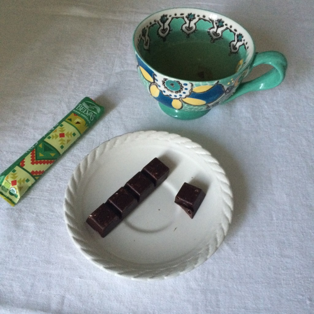 Ma petite pause thé vert et barre de chocolat ...