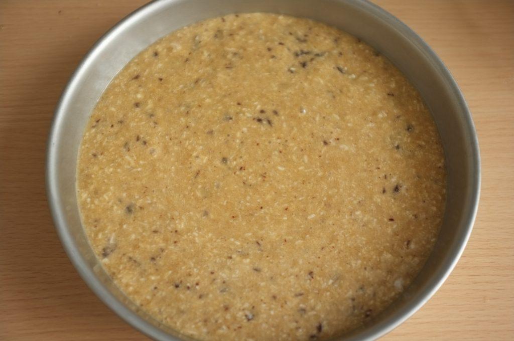 Le gâteau sans gluten châtaigne, coco et chocolat avant d'être enfourné
