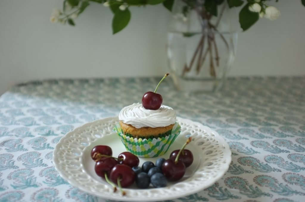La crème fouettée sans gluten ni lactose pour décorer mes cupcakes vanille