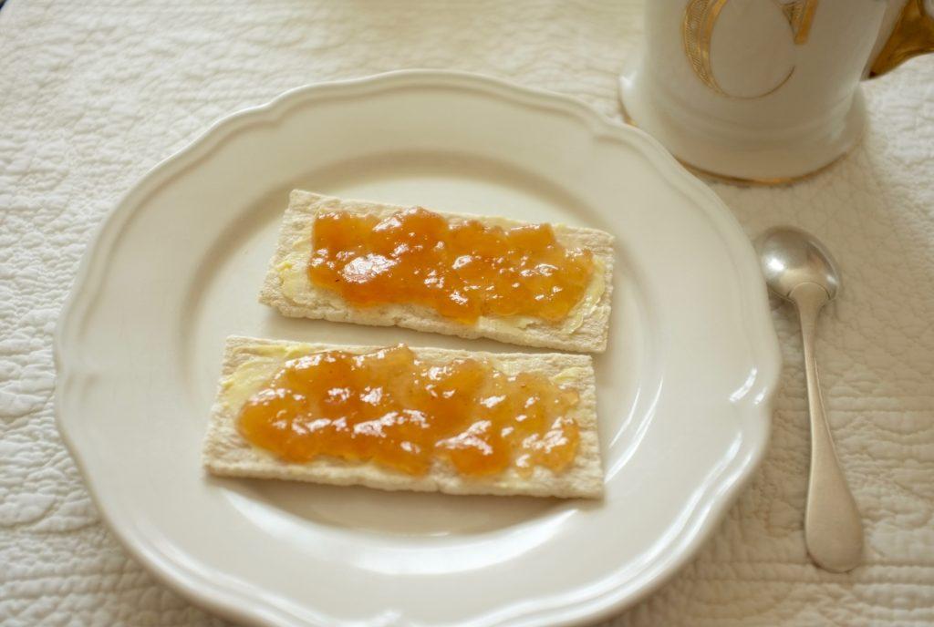 Les tartines craquantes sans gluten à l'avoine de Jardin Bio pour le petit déjeuner