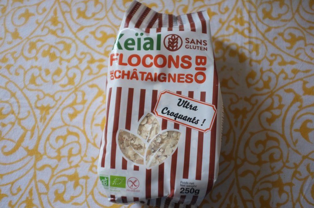 Les flocons de châtaigne de Kemal , à glisser dans les mueslis, granula et certainement pour décorer de futur pain.