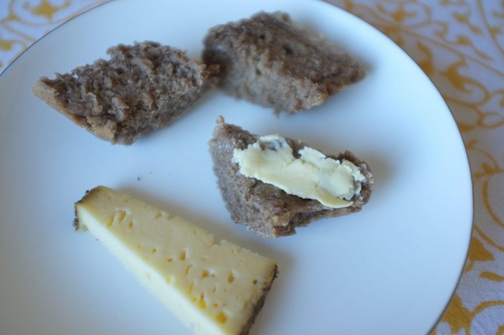 Une mie tendre et souple pour accompagner un plateau de fromage ou des tartines de confiture au petit déjeuner...